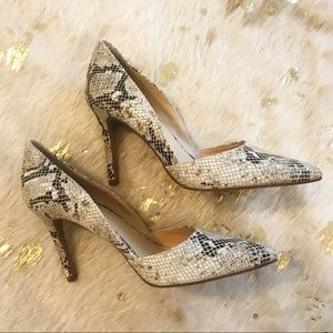 NEW VINCE CAMUTO Shoes | POINT-TOE PUMP Snake